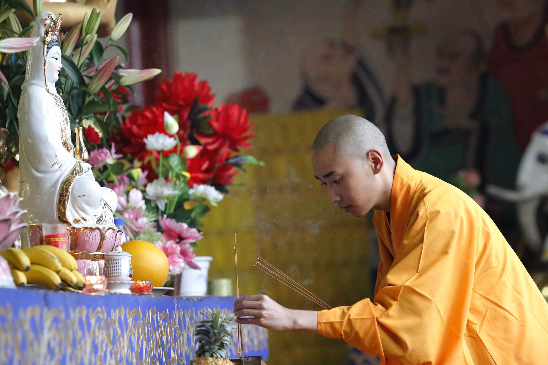Guan Yin - Guan Yin y la Indigenización del Budismo en China
