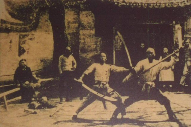 Exhibicion artes marciales 1930 - Modern Wushu and Exhibition Martial Arts